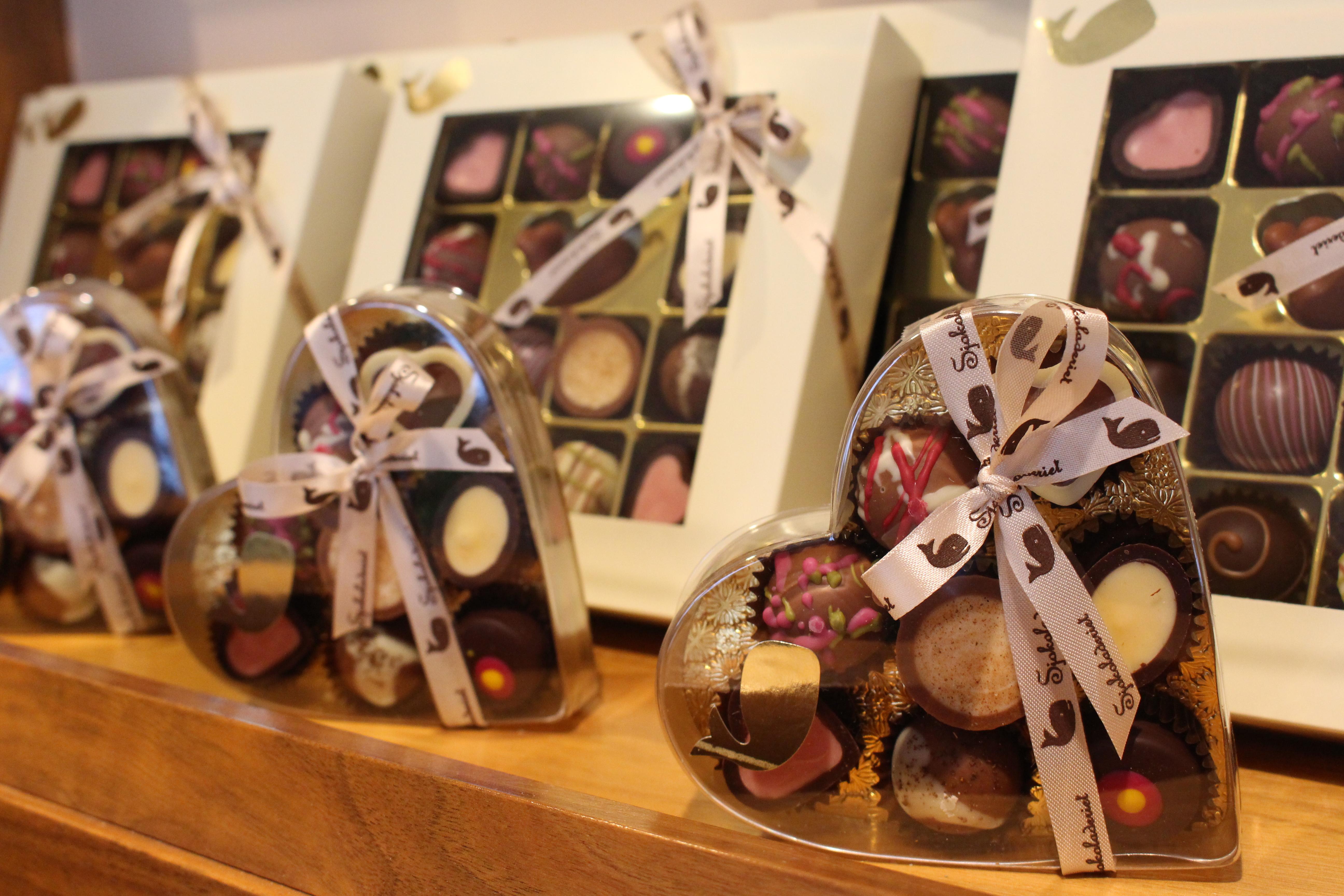 hval sjokolade utsalg